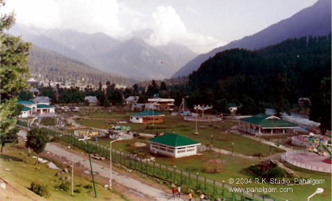 Fun?Rides at Pahalgam - 2004